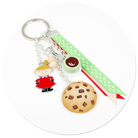 keyring with Little My, coffee and cookie