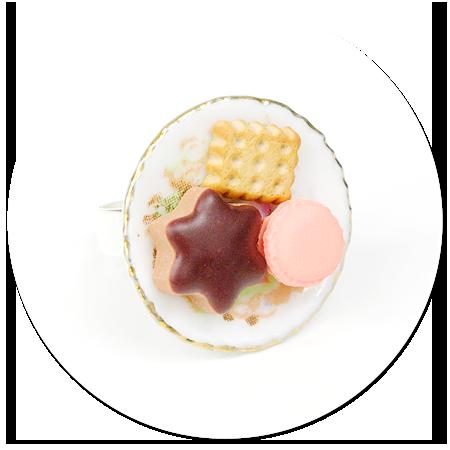 pierścionek talerzyk ze słodyczami nr 2
