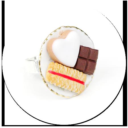 pierścionek talerzyk ze słodyczami nr 3