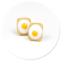 earrings toast with egg (plug-in)