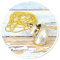sailor's necklace with shell no. 3