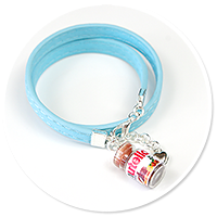 blue bracelet with chocolate cream