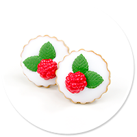 plug-in earrings tart with raspberries