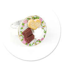 ring plate with sweets