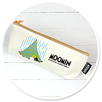beauty bag with Moomins and Snufkin