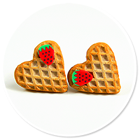 plug-in earrings hearts waffles